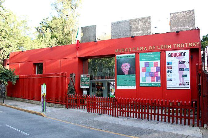 800px-museo_casa_de_leon_trotsky_1